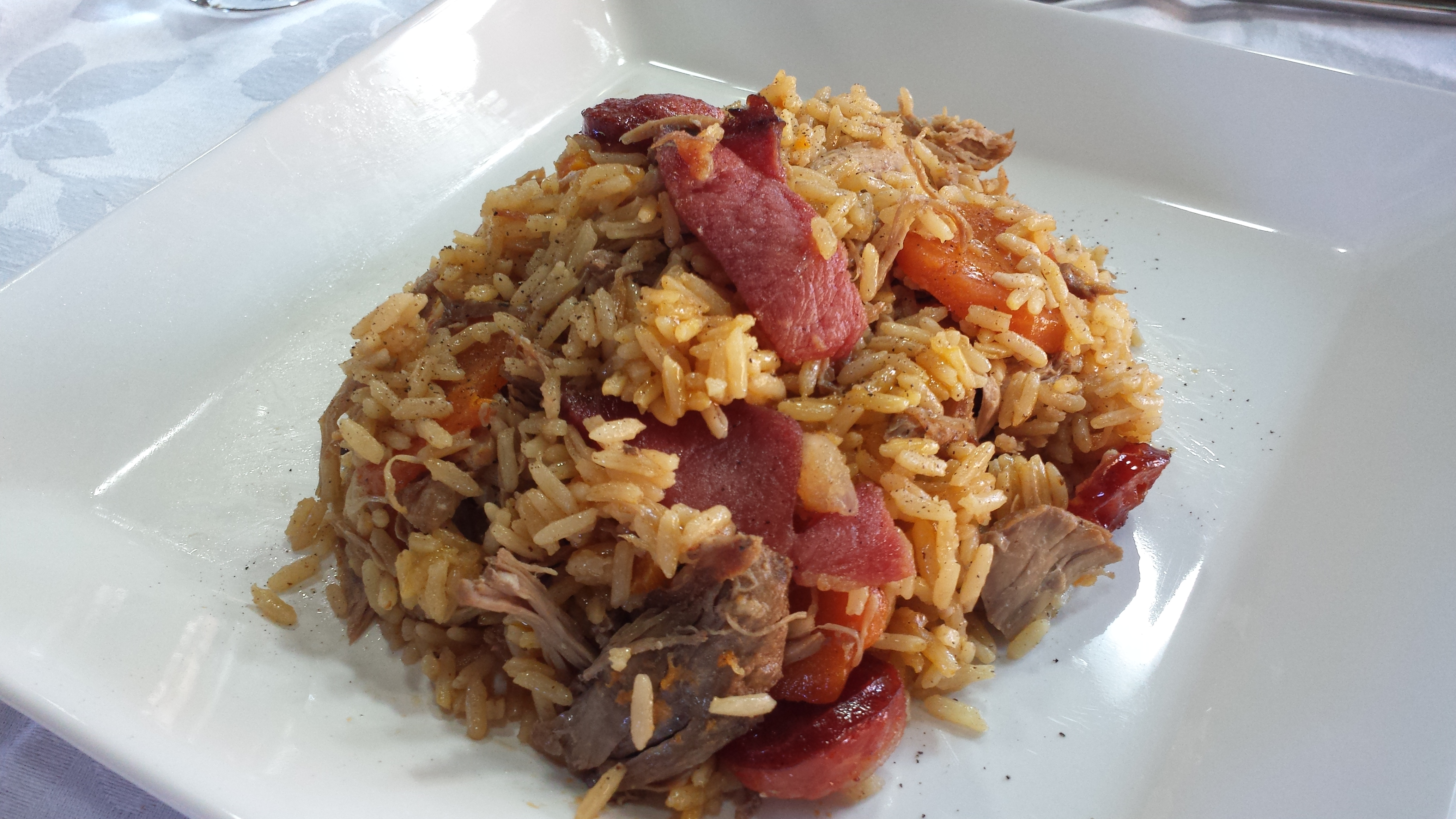 go costa with Arroz De Pato on Kingdice Provably Fair Dice Game together with Figueres Travel Guide in addition Flag Of Costa Rica 2034069 also UFC 211 Joanna Jedrzejczyk Vs Jessica Andrade Joe Rogan Preview together with Best Beaches On The Costa De La Luz Spain Los Canos De Meca Barbate.
